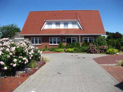 Photo for Spacious, inviting vacation apartment in Cuxhaven-Stickenbüttel by the beach