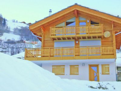 Photo for New, spacious and luxurious chalet in the ski resort Quatre Vallees