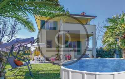 Photo for 3 bedroom accommodation in Capezzano (LU)
