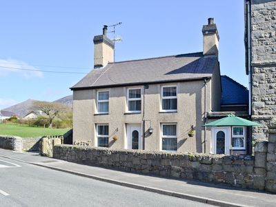 Photo for 2 bedroom property in Nefyn. Pet friendly.