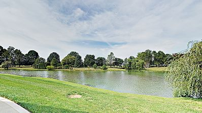 Upscale Tranquility on the Lake & Near Everything