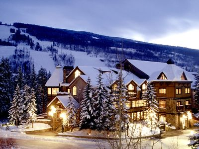 Front of Vail Mountain Lodge