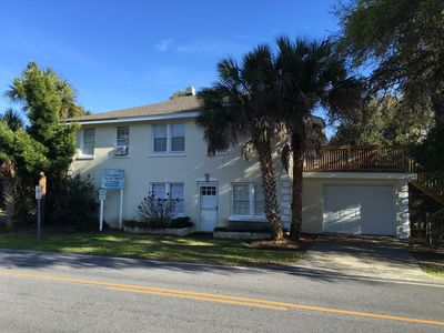 Across from the Beach - Pet Friendly -Townhouse