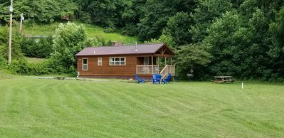 Photo for Lazy Daze Cozy Cabin! 5 minutes to Cherokee or Bryson City.