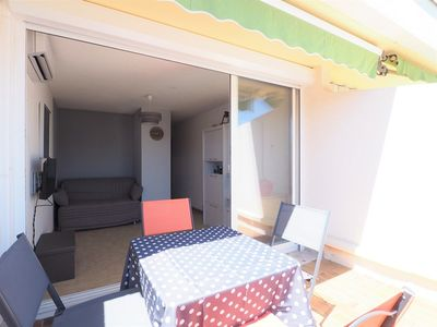 Photo for Renovated, air conditioned close to the city center!
