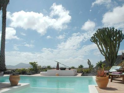 Photo for Villa HANTRY in Teguise for 4 persons with shared pool, terrace, garden, views of the volcanoes, WIFI and less than 10000m to the sea