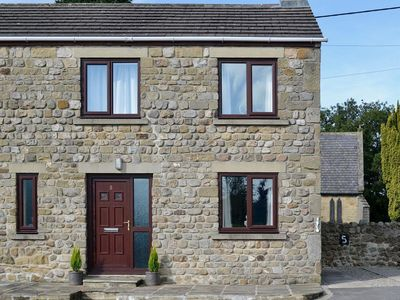 Photo for 2 bedroom property in Ripon. Pet friendly.