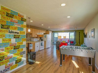 Photo for Explore NM! 2bd/2ba, walk to UNM, King bed, Balcony