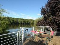 Really great location on the banks of the Loire. Owners really friendly. A great holiday!