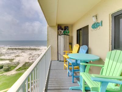 Photo for Condo near the beach with shared pools, hot tub, on-site golf, & tennis