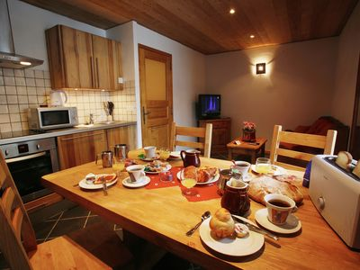 Photo for Valloire center. Luxury apartment for 4 persons close to the slopes, ski school.