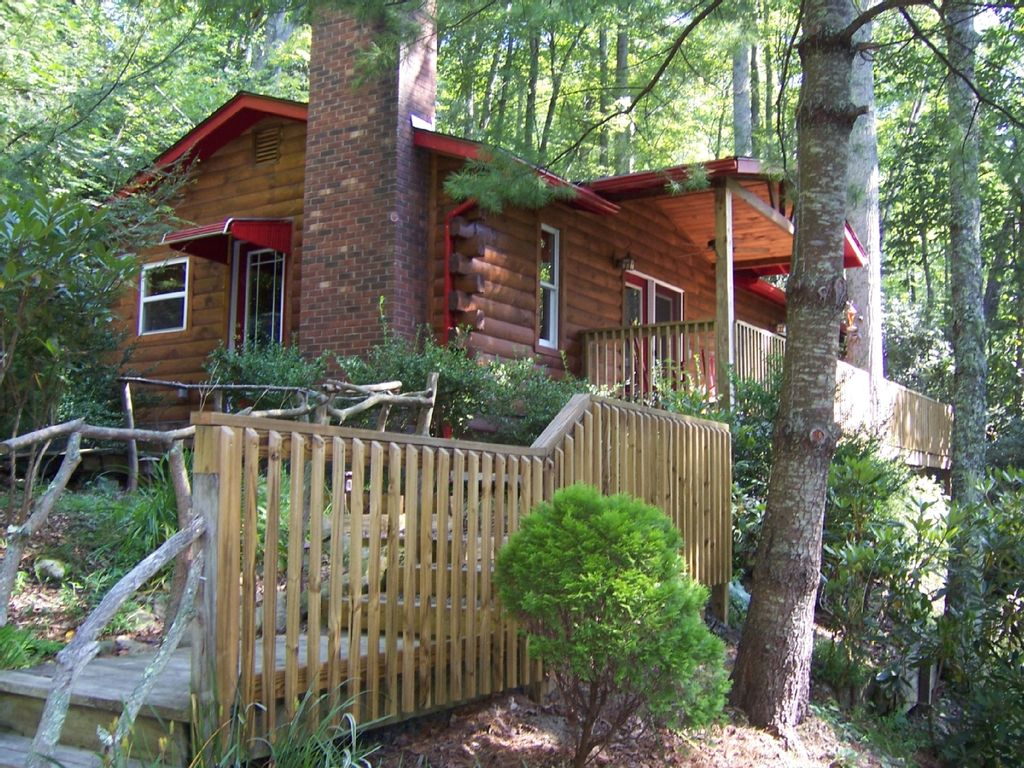 with of rent carolina cabin on trails acres lake rentals north gallery photo nc x cabins hendersonville for toxaway