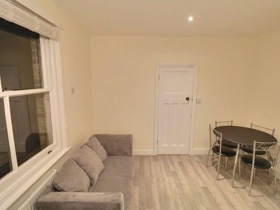 Photo for Warm and Cosy Newly refurbished 2 Bed flat in heart of Southfields SW18 London