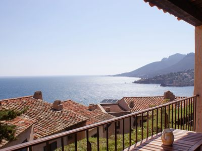 Photo for Provençal-style studio - sleeps 2, beautiful sea view, air conditioning