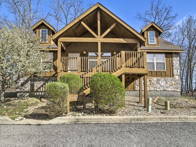 Photo for Cozy Branson West Cabin w/Clubhouse-10 Min to SDC