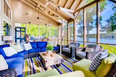 Large Screen Porch with Beautiful relaxing Lake view