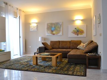 Elegant and new apartment 50 meters from the sea