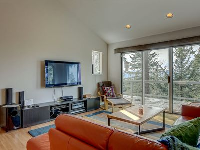Photo for Fir Mountain Escape - Stunning views, Hot Tub, Newly Furnished, Modern