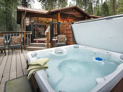 Photo for Welcome to Yosemite's Buss Stop!  This Yosemite cabin is available for year-round rentals