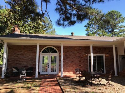 CREEK SIDE VILLA LOCATED PERFECTLY BETWEEN HOT SPRINGS VILLAGE AND HOT SPRINGS!