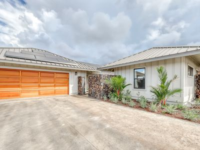 Photo for Brand new family-friendly home w/mountain views, lanai, and near the ocean!