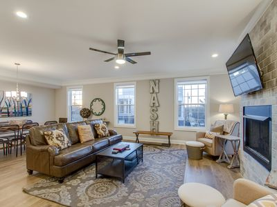 Photo for MUSIC CITY STAR ★ THE GULCH ★ 4BR ★ DOWNTOWN
