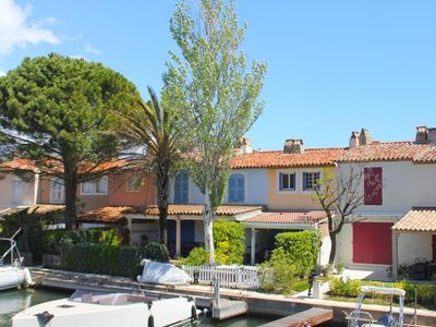 Photo for Modern holiday home on the water in Port-Grimaud, within walking distance of the beach