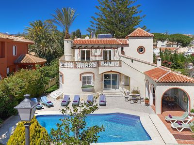 Photo for Detached Holiday Villa with private swimming Pool in Marbella