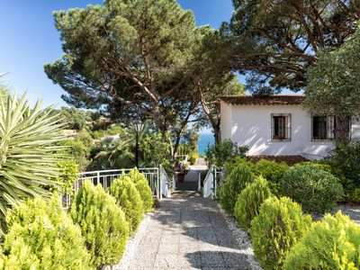 Photo for Beautiful villa with great sea view and swimming pool.
