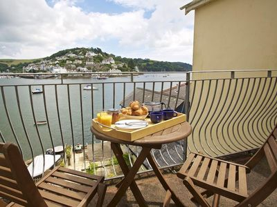 Photo for HARBOURSIDE, family friendly, with a garden in Dartmouth, Ref 995477