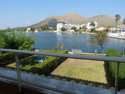 Photo for Beautiful townhouse facing west lake 150m beach with wifi included