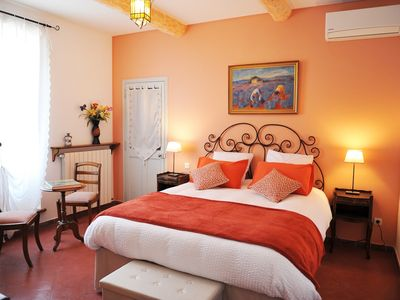 Photo for Reverie of Roussillon - Bed and Breakfast in Provence, Fontaine Des Magnarelles