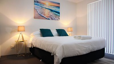 Photo for Azure Villa Close to City of Perth and Fremantle.