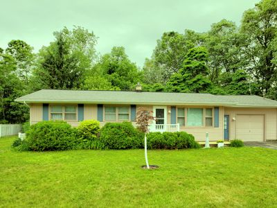 Photo for Lake effect cottage is located near the heart of summer fun!