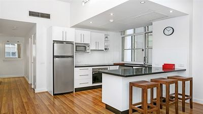 Photo for 1BR Apartment Vacation Rental in Sydney, NSW