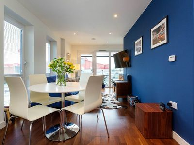 Photo for Modern two bedroom apartment near the banks of the river Thames (Veeve)