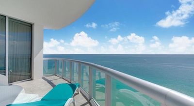 Photo for Fabulous Waterfront Miami Beach/Sunny Isles Resort 2 Ensuite Bedroom Apartment w/ Stunning Views