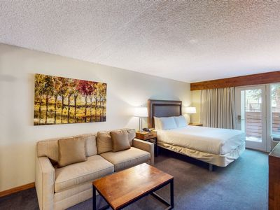 Photo for Ski-in/out room on 1st floor near bike path w/shared hot tub & outdoor pool