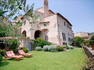 Photo for Luxurious Villa  with Beautiful Garden and Pool in Spello