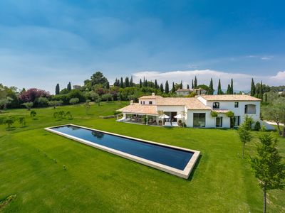 Photo for Superb contemporary villa with large pool on land without vis-à-visgrand