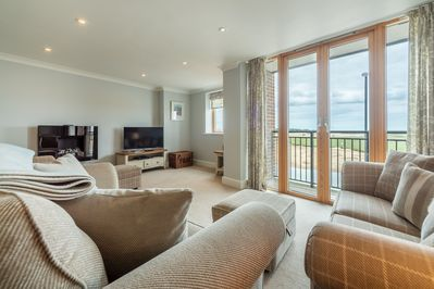 A Third Floor Apartment With Wonderful Views Of Wells Quayside
