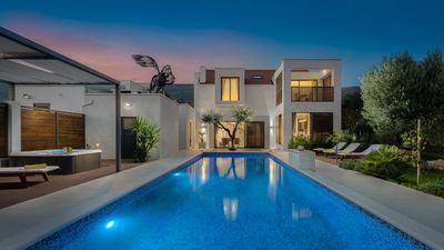 Photo for Luxury Villa White Oasis with Swimming Pool