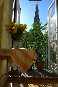 Photo for Wonderful sunfilled apartment w. 2 balconies directly on the canal