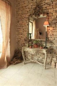Entry hall with Gordes stones