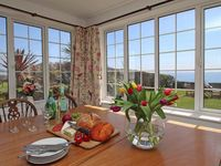 Delightful cottage metres from the beach in a friendly Cornish village