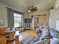 Very clean, creatively decorated and in a good location!