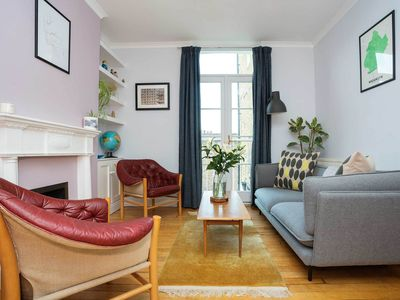 Photo for Cosy 2 bed apartment in a lovely part of Clapham. Close to the train (Veeve)
