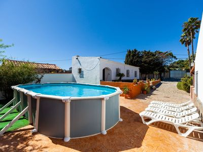 Photo for Charming Home with Spacious Garden, Pool, Terrace and Wi-Fi; Pet-Friendly