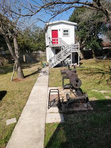 Photo for One bedroom bungalow in the BBQ capital of Texas