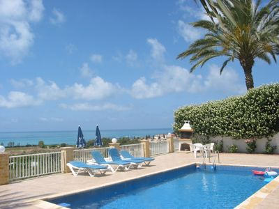 Photo for Sea view,  bungalow, en-suite, Coral Bay, disabled friendly, pool